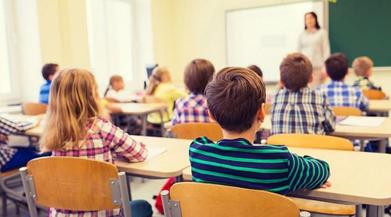Учениците се връщат в класните стаи на есен
