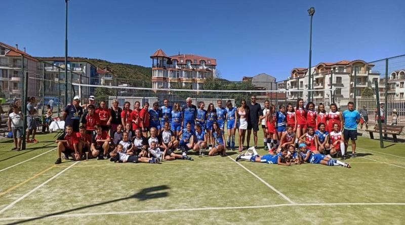 Отборът по волейбол в Бяла Слатина с поредно отличие