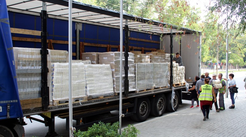 БЧК започва раздаването на хранителни продукти
