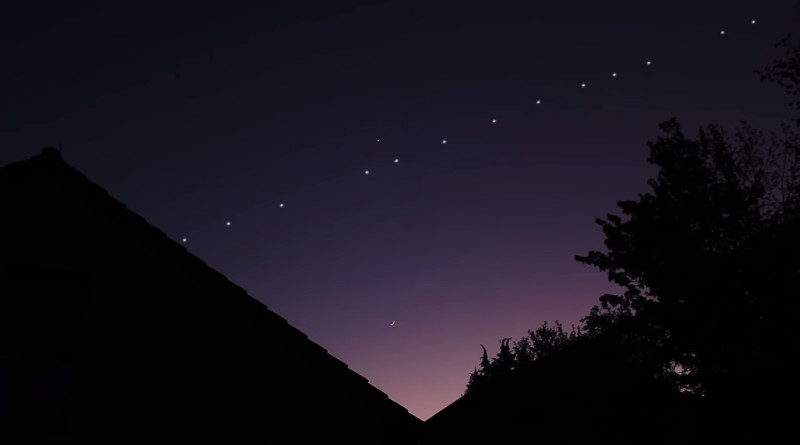 Сателитите на Илън Мъск минаха над България за поредна нощ